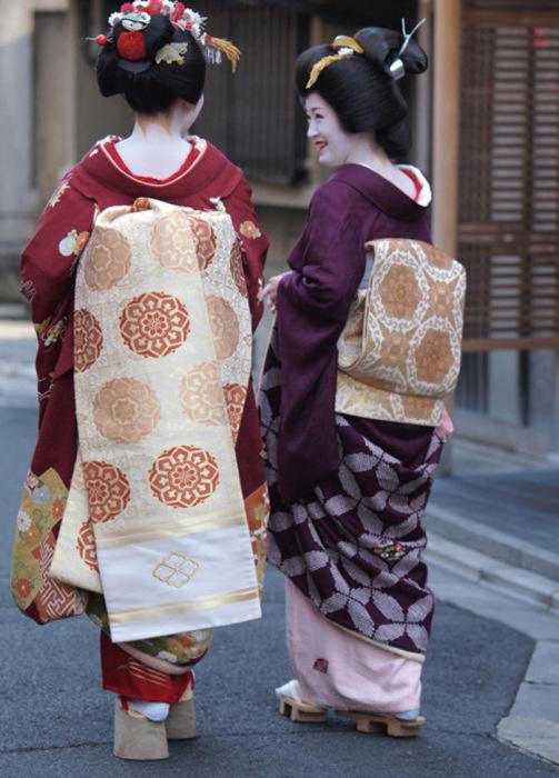 Гейко Итимамэ и майко Итимомо из окия Ити, Киото