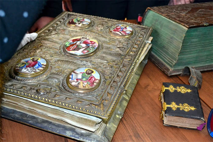 Книги из собрания Александра Ильина