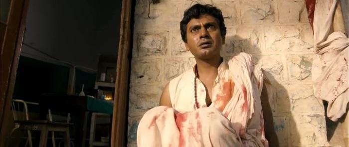 Главную роль в фильме о Дашратхе Манджхи сыграл известный индийский актер Навазуддин Сиддик. Герой этого байопика также переживает смерть любимой и совершает подвиг в ее память.