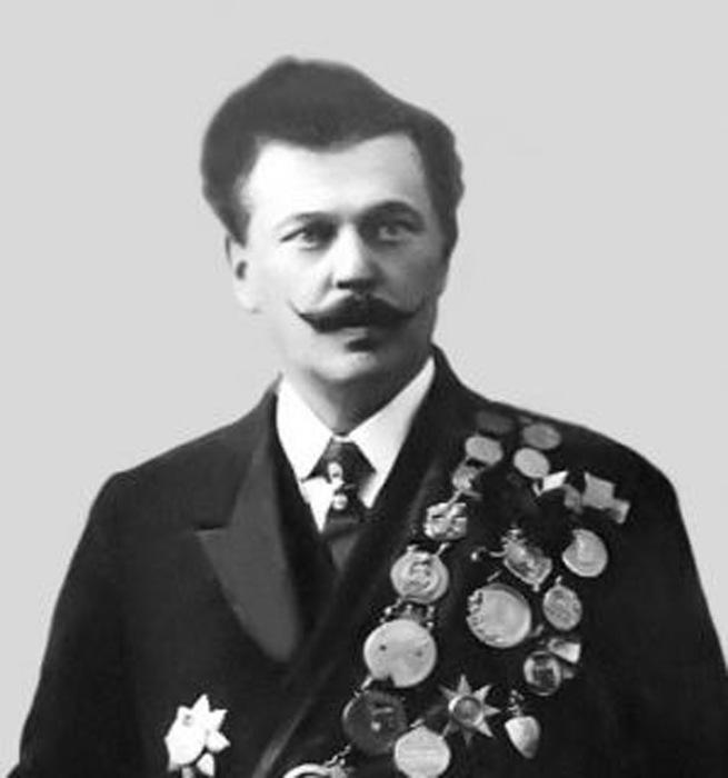 Один из основателей династии Дуровых Владимир Леонидович