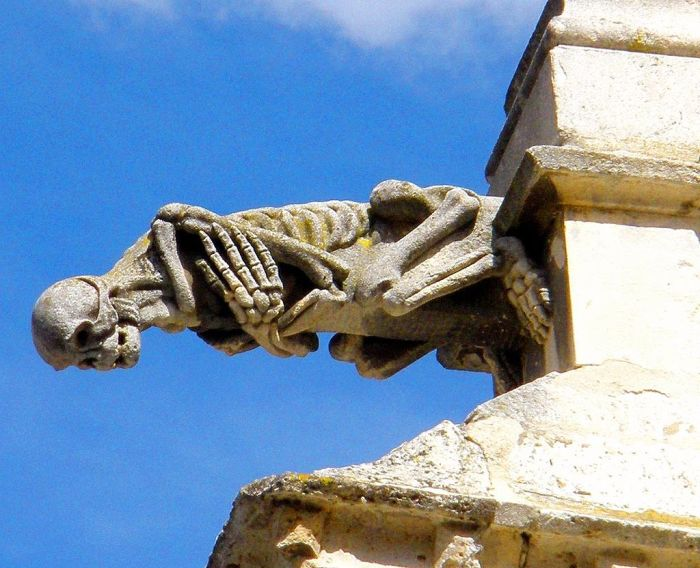 Гаргуйль собора в Паленсии, Кастилия