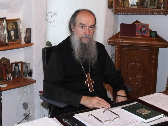 Отец Алипий в своем рабочем кабинете