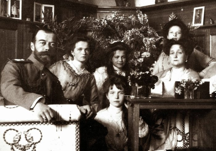 Царская семья в личных покоях