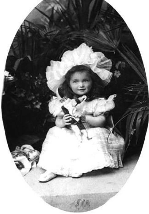 Великая княжна Ольга в детстве