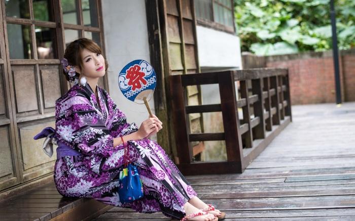 Для стирки кимоно часто распарывают, а затем сшивают заново