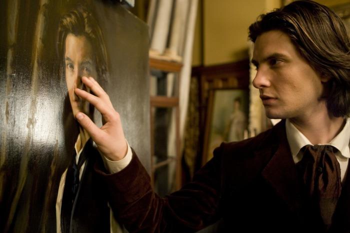 """кадр из х/ф """"Дориан Грей"""", реж. Оливер Паркер, 2009г."""