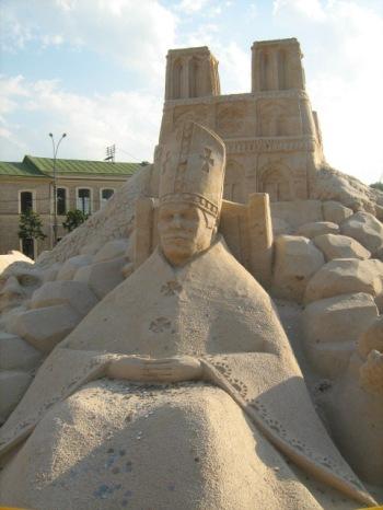 Выставка скульптур из песка в Харькове
