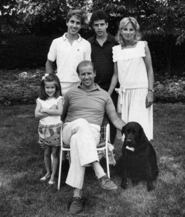 Джилл и Джо Байден с детьми. / Фото: www.annecarolinedrake.com