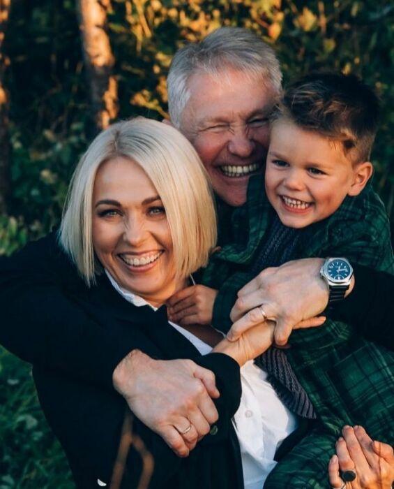 Игорь Бочкин и Анна Легчилова с сыном. / Фото: www.instagram.com/anna_legchilova