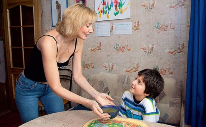 Екатерина Зинченко с сыном. / Фото: www.7days.ru