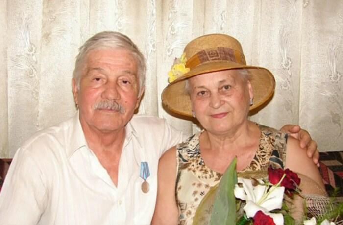 Михай Волонтир с женой.  / Фото: www.yandex.net
