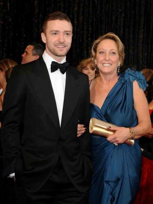 Джастин Тимберлейк с мамой. / Фото: www.businessman.ru