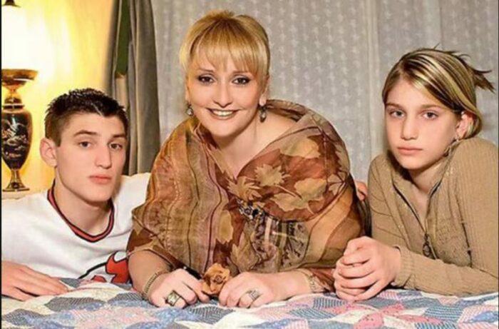 Ия Нинидзе с детьми. / Фото: www.really-cool.ru