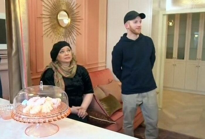 Ольга Машная с сыном в обновлённой квартире. / Фото: www.goodhouse.ru