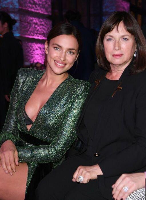 Ирина Шейк с мамой. / Фото: www.jetsetter.ua