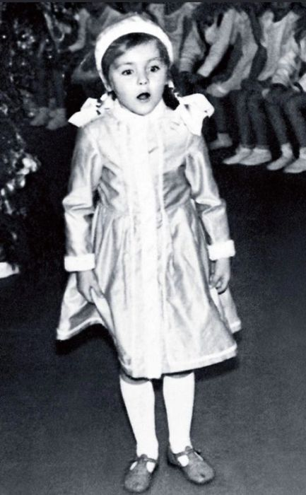 Ольга Битюкова в детстве. / Фото: www.7days.ru