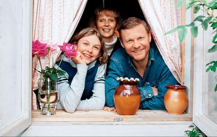Елизавета Соломина с родителями. / Фото: www.yandex.net