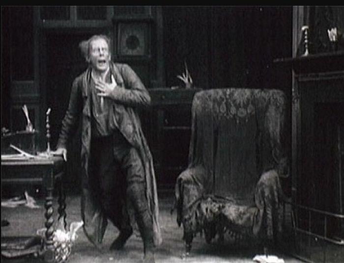 Сеймур Хикс в роли Эбенезера Скруджа. Кадр из фильма «Скрудж». / Фото: www.wikipedia.org