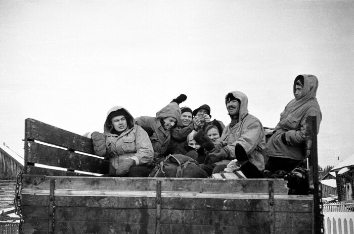 Группа Дятлова в грузовике от Вижая до 41 Округа. / Фото: www.esquire.ru