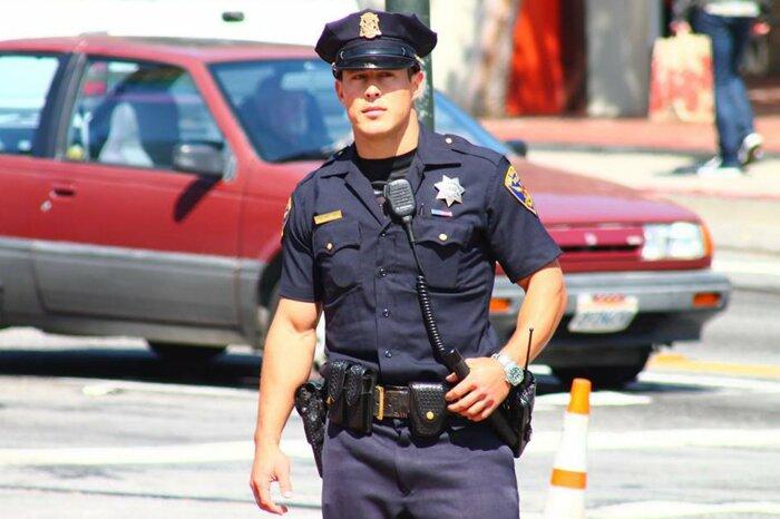 Офицер полиции. / Фото: www.factsverse.com