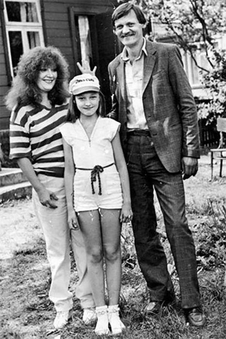 Алла Пугачёва и Миколас Орбакас с дочерью Кристиной. / Фото: www.odnaminyta.com