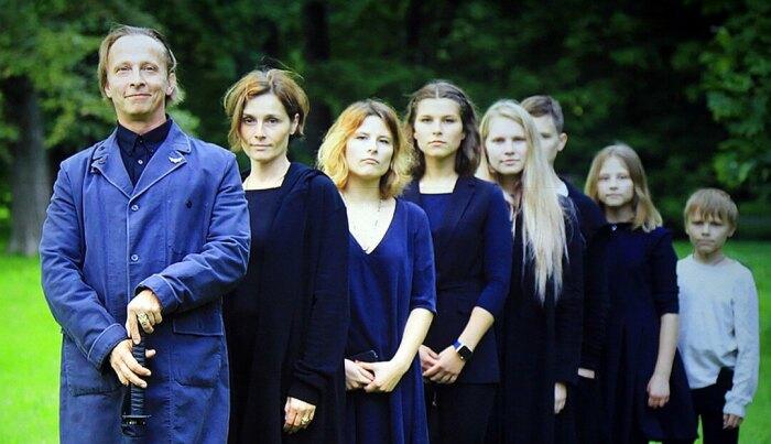 Иван Охлобыстин с женой и детьми. / Фото: www.pitaniemalysha.ru