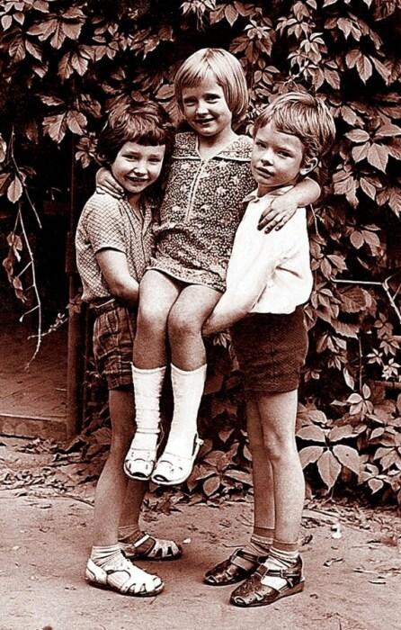 Андрей Данилко (справа) в детстве. / Фото: www.kpcdn.net