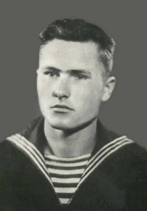 Василий Шукшин в молодости. / Фото: www.postila.io