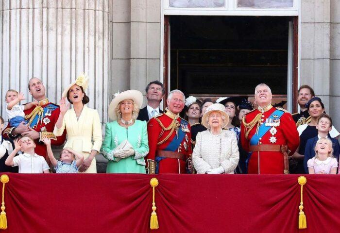 Королевская семья Великобритании. / Фото: www.prm.ua
