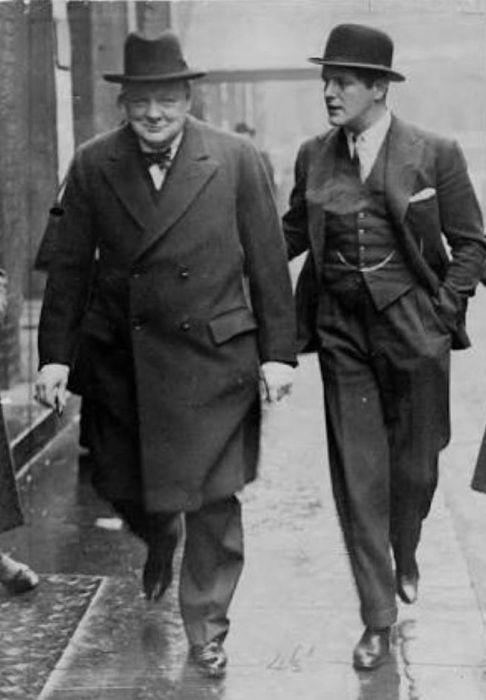 Рэндольф Черчилль с отцом Уинстоном Черчиллем. / Фото: www.pinimg.com