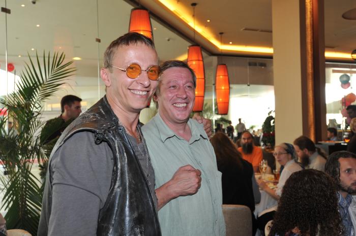 Иван Охлобыстин и Михаил Ефремов. / Фото: www.teleprogramma.pro