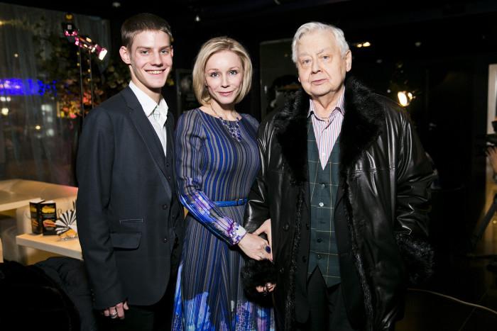 Павел Табаков с родителями Мариной Зудиной и Олегом Табаковым. / Фото: www.ok-magazine.ru