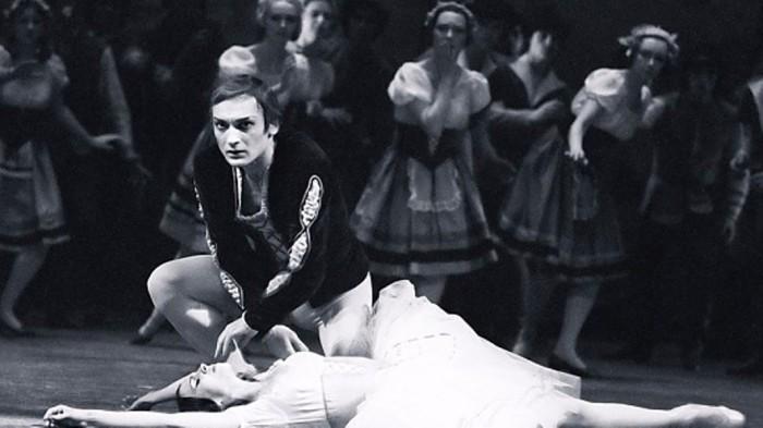 Людмила Семеняка и Михаил Лавровский в балете «Жизель». / Фото: www.culture.ru