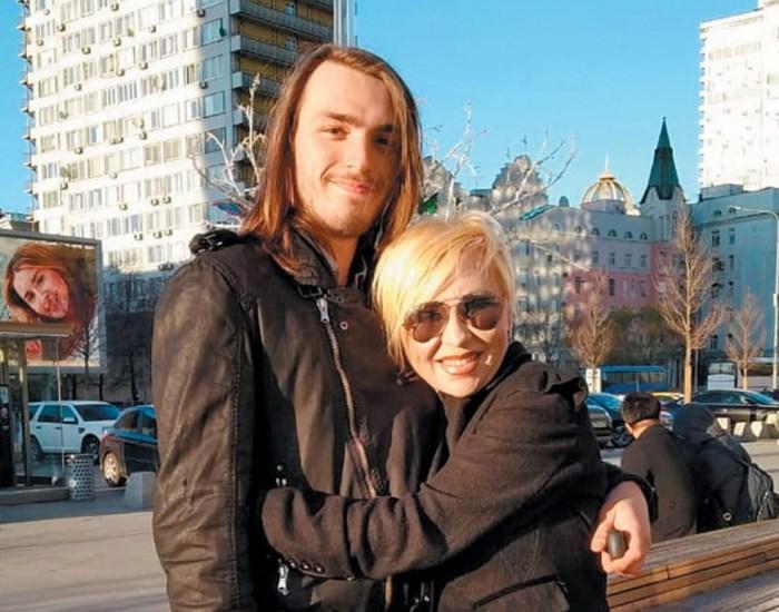 Валентина Легкоступова с сыном. / Фото: www.sb.by
