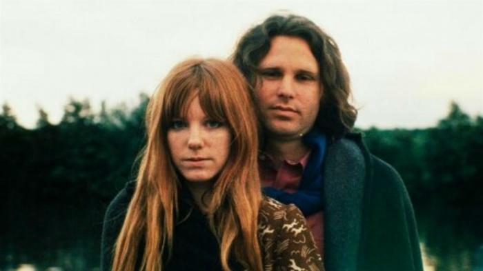 Джим Моррисон и Памела Курсон. / Фото: www.popexpresso.com