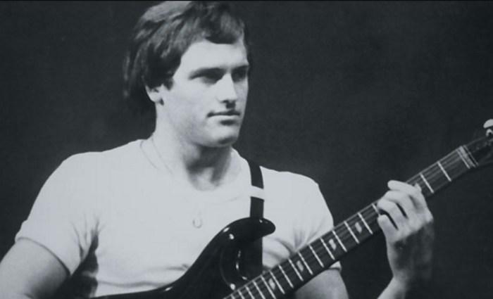 Владимир Хотиненко в институте создал свою музыкальную группу, которая называлась «Машина времени». / Фото: www.thr.ru