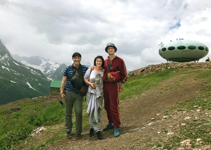 Сергей Пускепалис с женой Еленой и сыном Глебом на отдыхе. / Фото: www.womanhit.ru