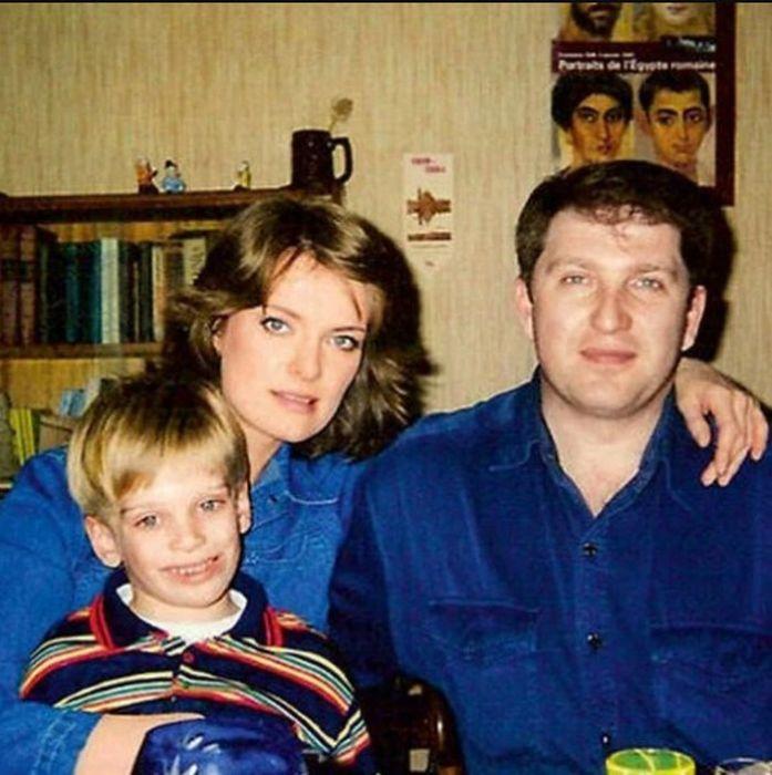 Ольга Копосова с мужем и сыном. / Фото: www.yandex.net