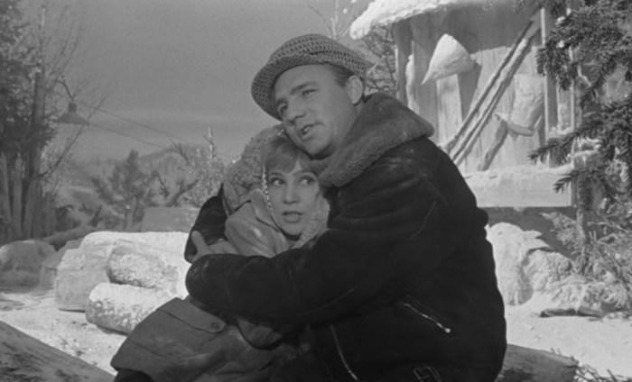 Николай Рыбников и Надежда Румянцева, кадр из фильма «Девчата». / Фото: www.rewizor.ru
