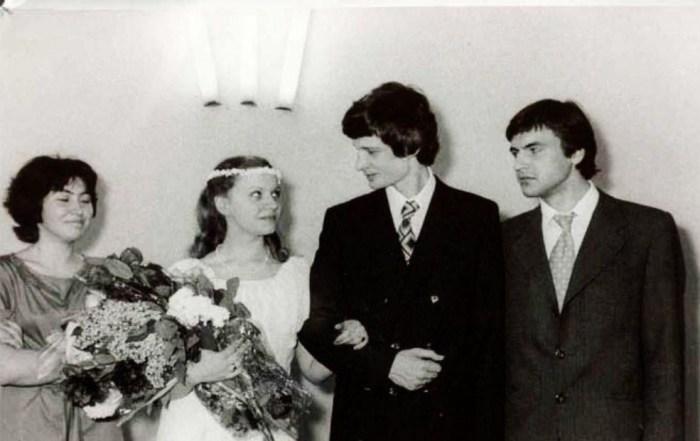 Дмитрий и Марина Брусникины в день свадьбы. / Фото: www.pinimg.com