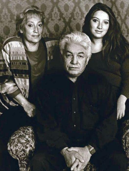 Владимир Войнович со второй женой Ириной и дочерью Ольгой. / Фото: www.story.ru