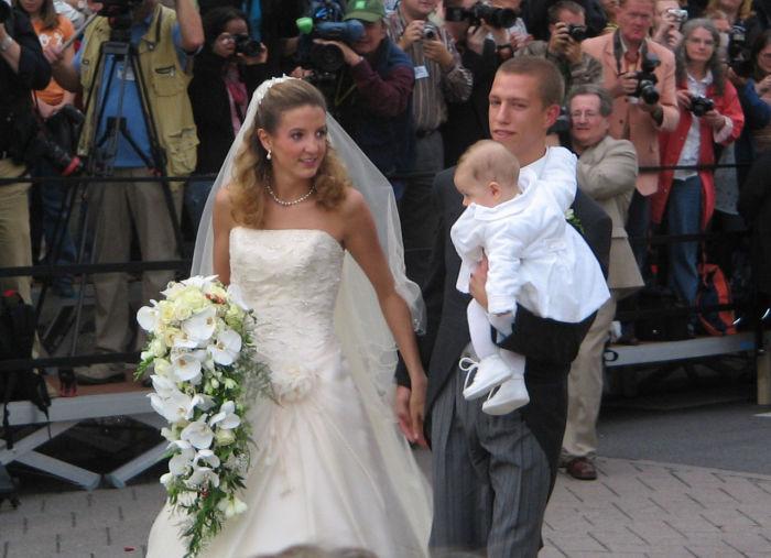 Принц Луи, Тесси Антони и их сын Габриэль в день свадьбы. / Фото: www.wikimedia.org