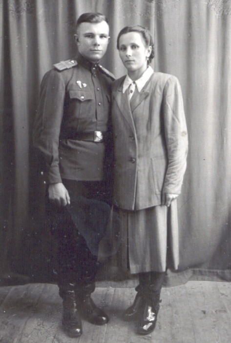 Зоя и Юрий Гагарины. / Фото: www.livejournal.com