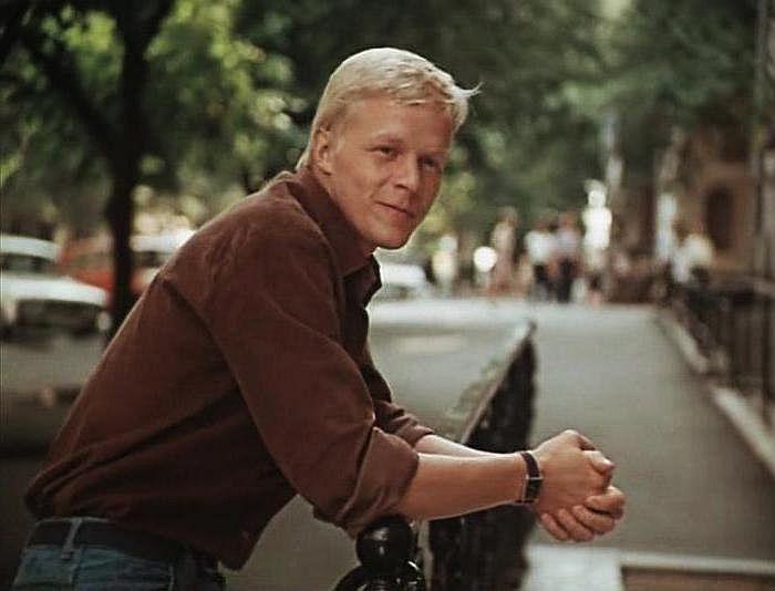 Александр Кузнецов, кадр из фильма «Приморский бульвар». / Фото: www.kino-teatr.ru