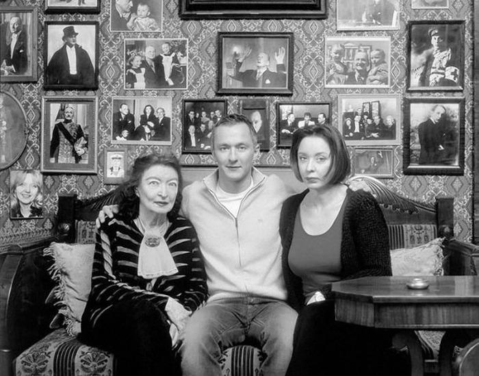 Степан Михалков с мамой и бабушкой Лидией Владимировной. / Фото: www.mtdata.ru
