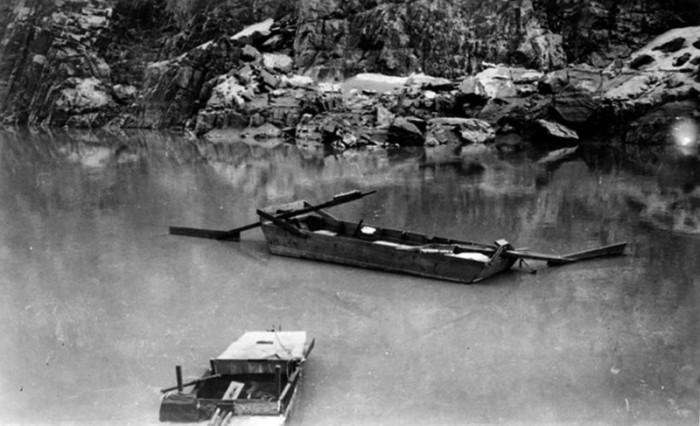 Спасатели обнаружили лишь пустую лодку. / Фото: www.morbidology.com