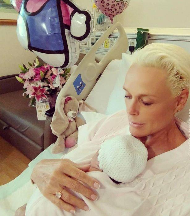 Бриджит Нильсен с дочерью. / Фото: www.vistanews.ru