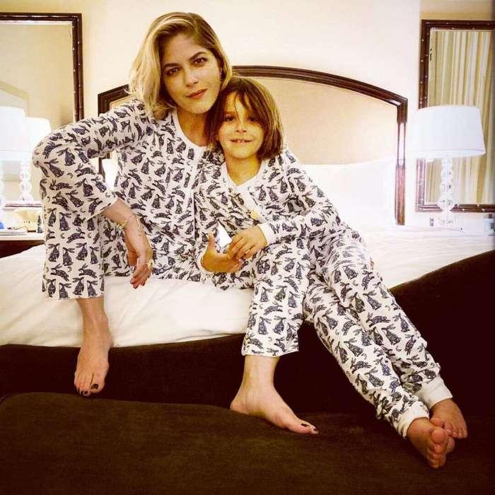 Сельма Блэр с сыном. / Фото: www.eonline.com