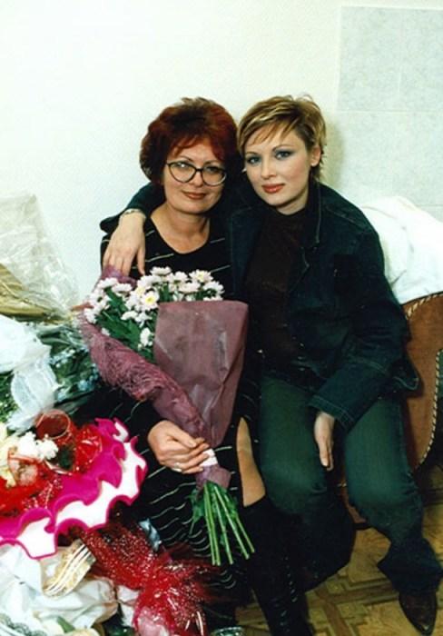 Елена Ксенофонтова с мамой. / Фото: www.ksenofontova.ru