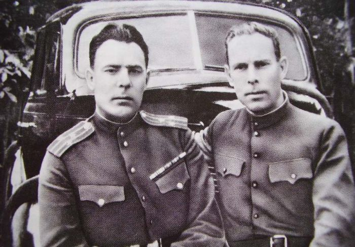 Леонид и Яков Брежневы. / Фото: www.sammler.ru